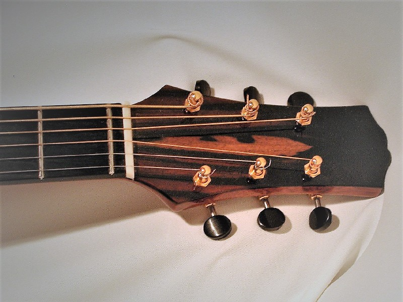 Acoustic Baritone Headstock with wavery tuners